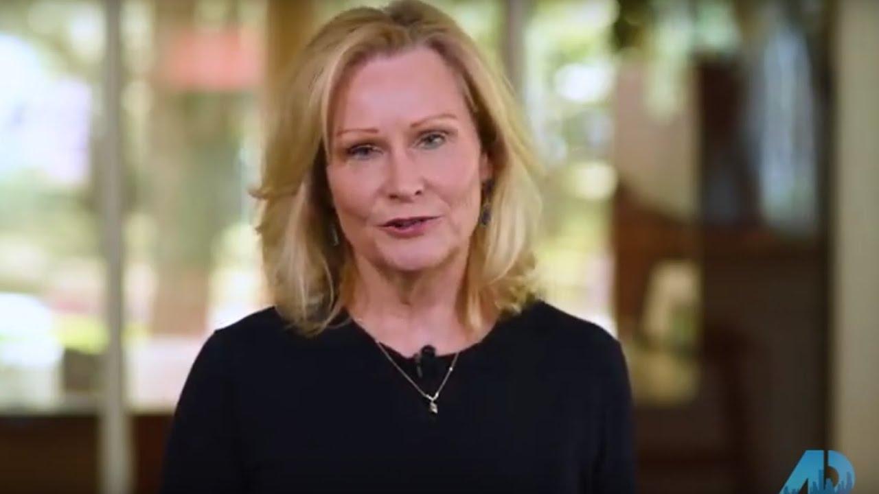 Houston – Season 3 – Episode 2 – Nicole Freer & Susan Vaughan
